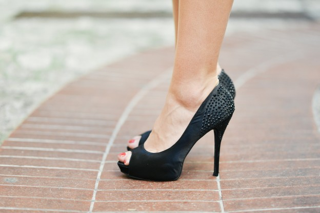 taller woman can wear heels
