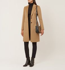 winter coat for hourglass body shape